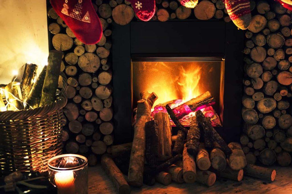 Noel sapin cheminée chaleur